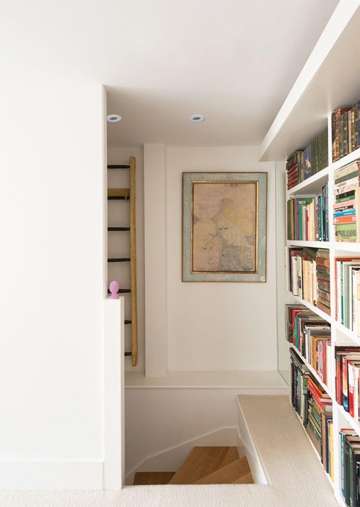 Classic modern open plan staircase by misch_MISCH studio